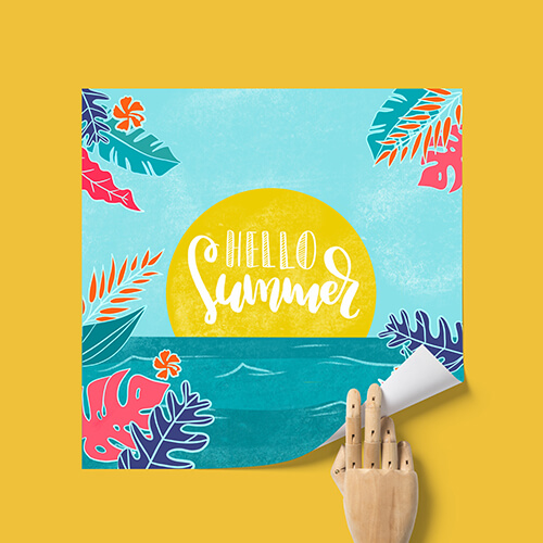 Hello Summer Portfolio Quadratisches Poster mit sommerlicher Illustration, aussen Palmblätter, innen Meer und sonne